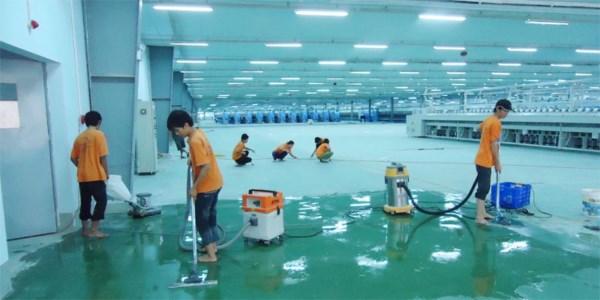 Dịch vụ vệ sinh làm sạch sàn nhà xưởng