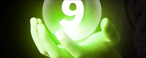 số 9 thần thánh