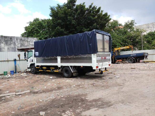 xe 5 tấn chở hàng